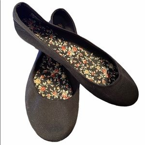 Time and Tru Classic Ballet Flat - black suede